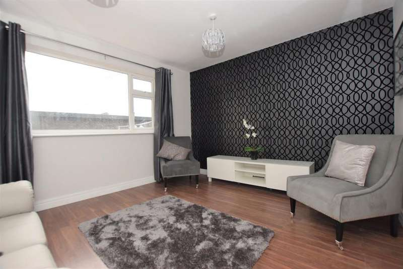 2 Bedrooms Ground Flat for sale in St. Georges Courtyard, Station Road, Hinckley