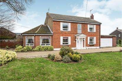 3 Bedrooms Detached House for sale in Norwich, Norfolk, .