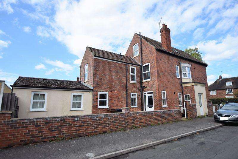 2 Bedrooms Apartment Flat for sale in Burton Road, Lincoln