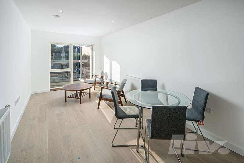 2 Bedrooms Flat for sale in Burnell Building, Fellows Square, Cricklewood, NW2
