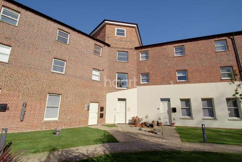 3 Bedrooms Terraced House for sale in Holbeach House, Holbeach