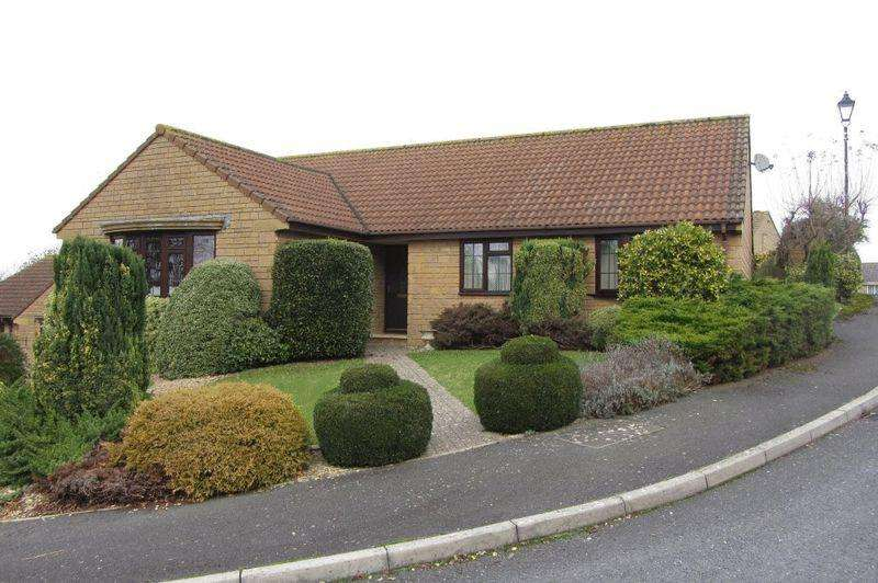 3 Bedrooms Detached Bungalow for sale in Whitehall Court, Crewkerne