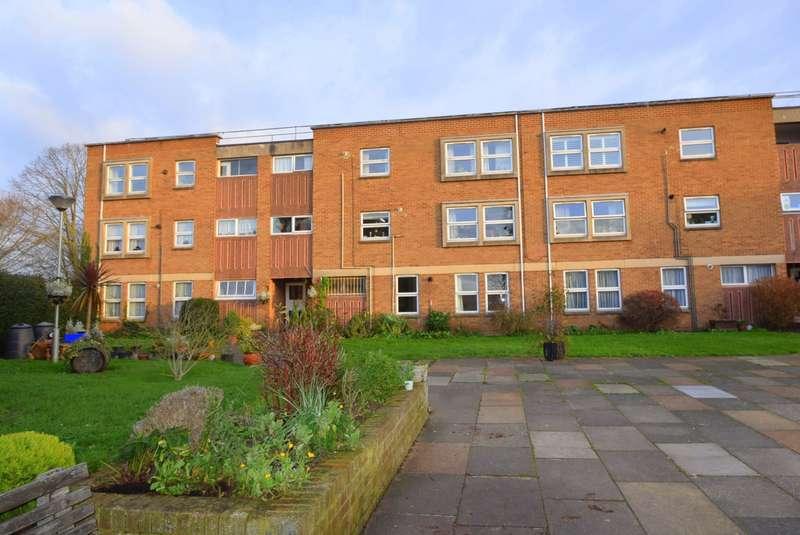 2 Bedrooms Flat for sale in Bellsfield Court, Bell Lane, Eton Wick, SL4