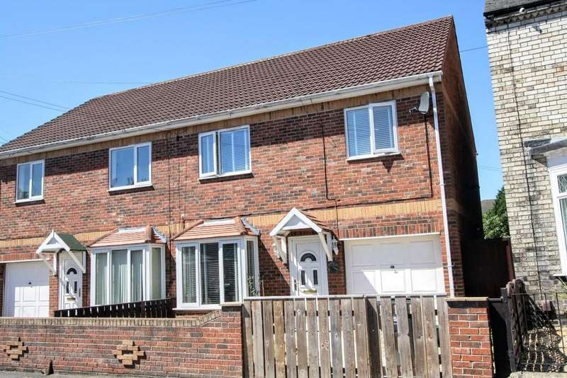 4 Bedrooms Semi Detached House for sale in Bright Street, Darlington