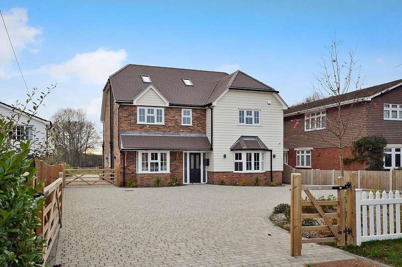 5 Bedrooms Detached House for sale in Wyatts Green Road, Wyatts Green, Brentwood