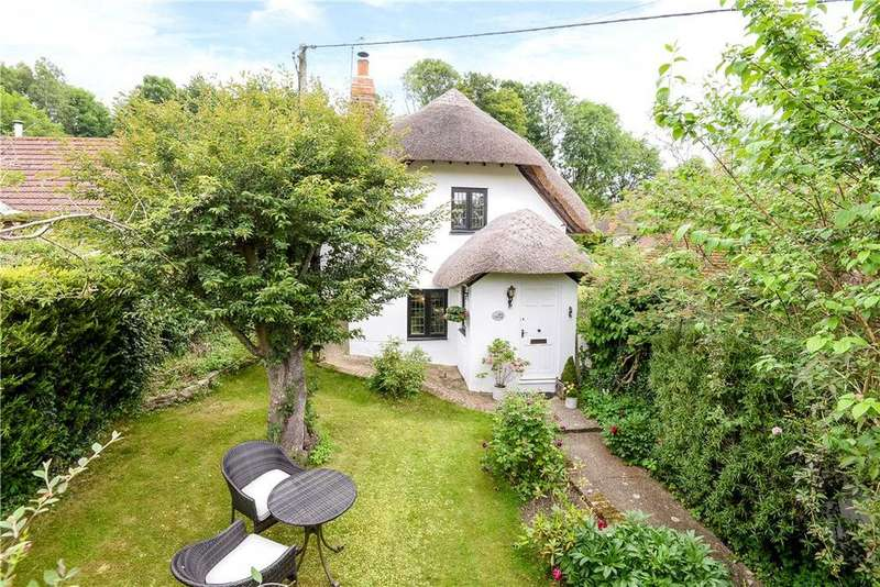 3 Bedrooms Detached House for sale in Church Road, North Waltham, Basingstoke, Hampshire, RG25