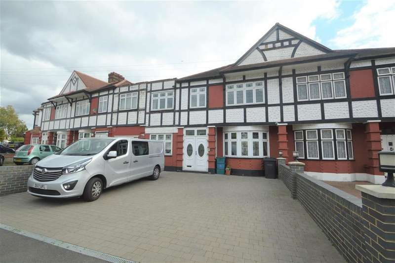 5 Bedrooms Terraced House for sale in Stradbroke Grove, Ilford, IG5