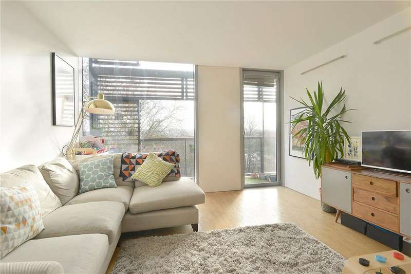 2 Bedrooms Flat for sale in Dog Kennel Hill, East Dulwich, London, SE22