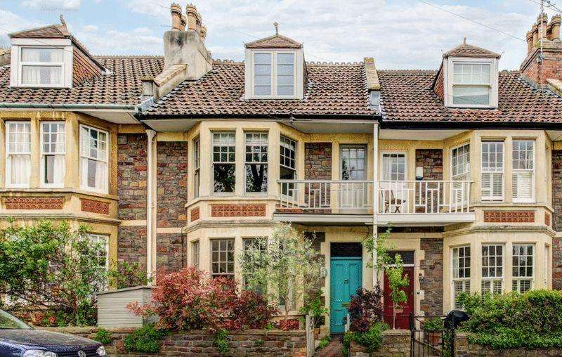 4 Bedrooms Terraced House for sale in St Helena Road, Westbury Park
