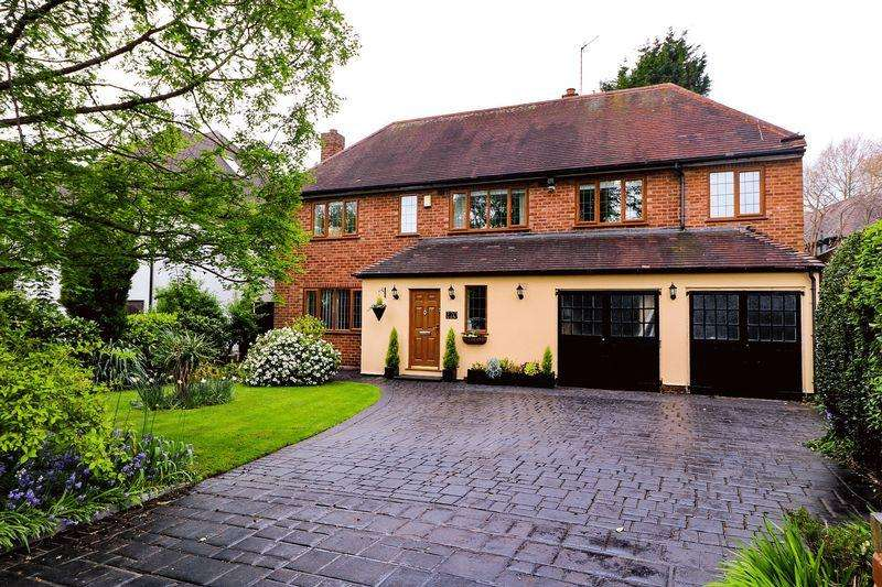 5 Bedrooms Detached House for sale in Broadway North, Walsall