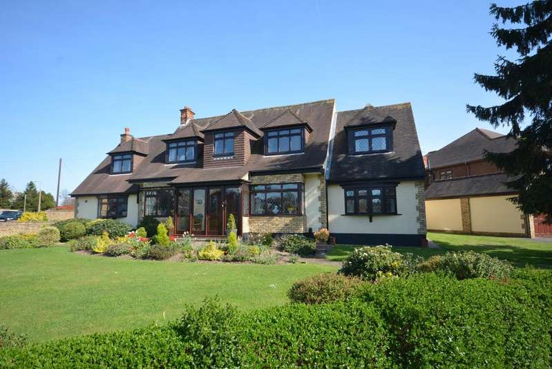 6 Bedrooms Detached House for sale in Parkstone Avenue, Emerson Park, Hornchurch RM11