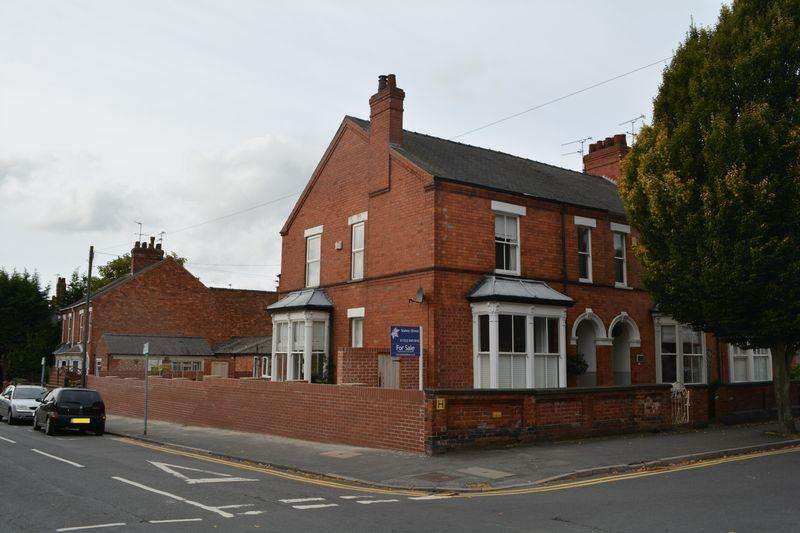 4 Bedrooms End Of Terrace House for sale in Richmond Road, West End, Lincoln