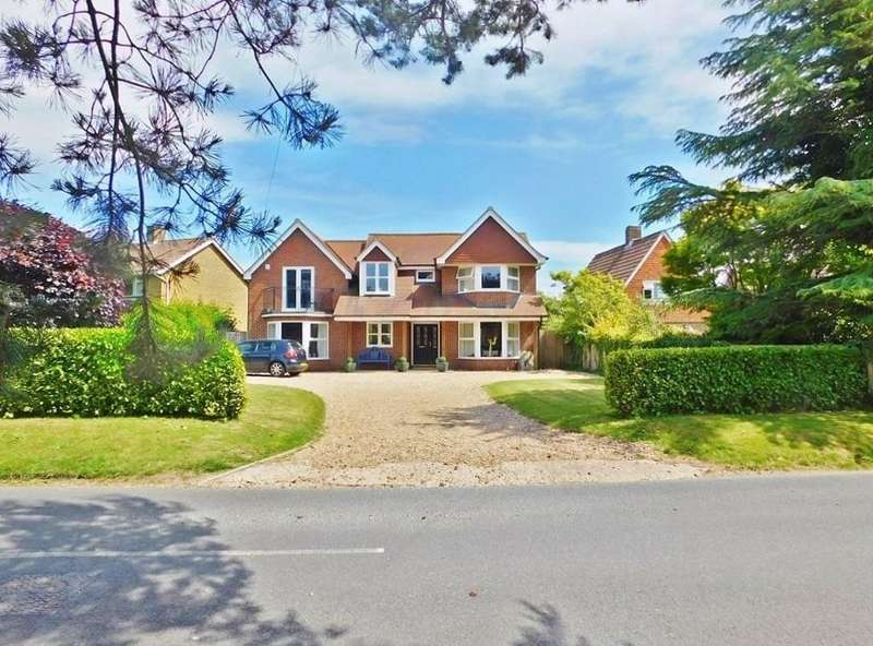 5 Bedrooms Detached House for sale in Old Street, Hill Head