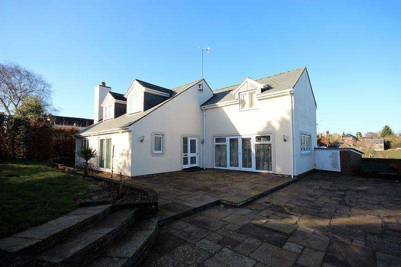 3 Bedrooms Detached House for sale in Lilley Bottom Road, Lilley
