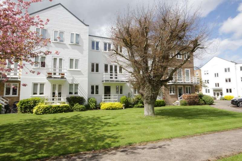 3 Bedrooms Town House for sale in Braybank, Bray