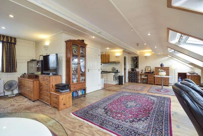 5 Bedrooms House for sale in Denbigh Road, Ealing