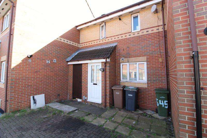 2 Bedrooms House for sale in Two bedroom home