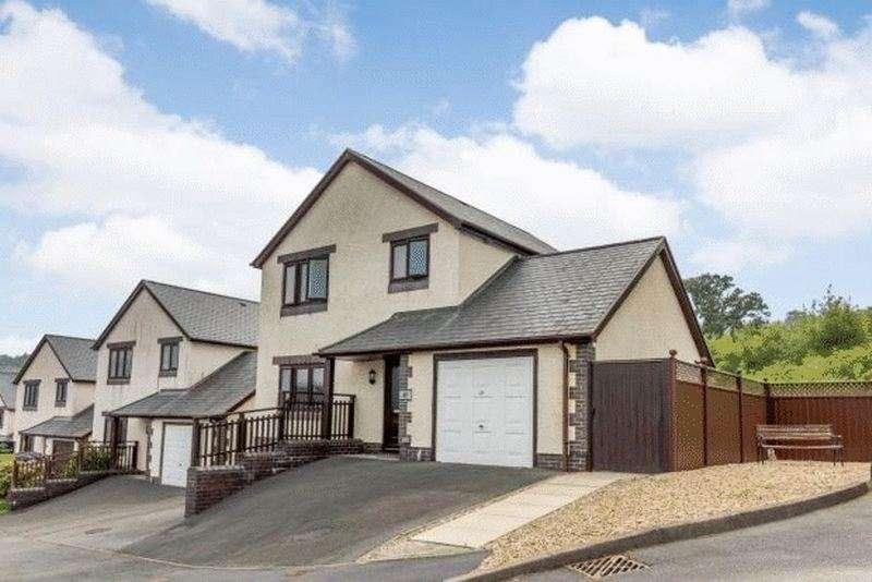 3 Bedrooms Property for sale in Uwch Y Maes, Dolgellau, Gwynedd, LL40 1GA