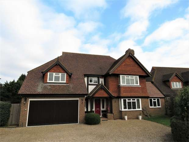 5 Bedrooms Detached House for sale in Doves Croft, Tunstall, SITTINGBOURNE, Kent