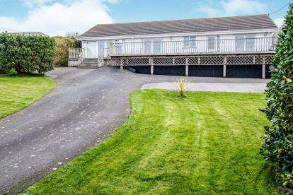 4 Bedrooms Bungalow for sale in Tintagel, Cornwall, Uk