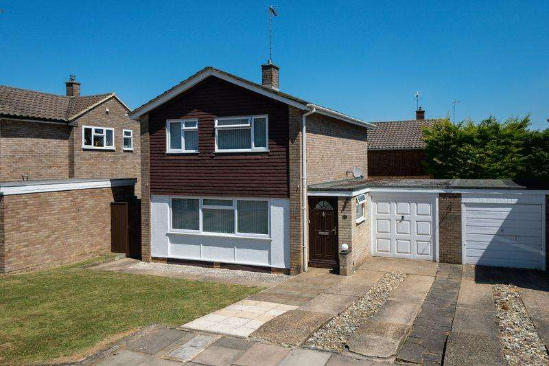 3 Bedrooms House for sale in South Luton. Easy Access To M1 Junction 10