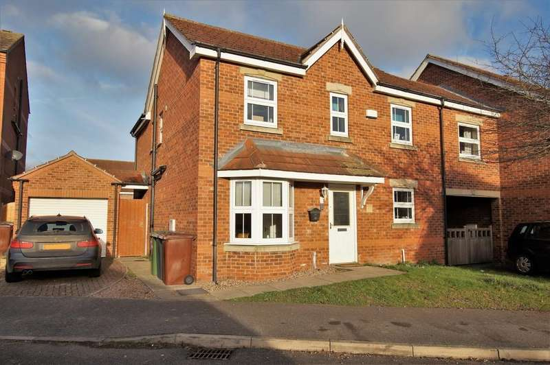 4 Bedrooms Semi Detached House for sale in Stukeley Close, Lincoln