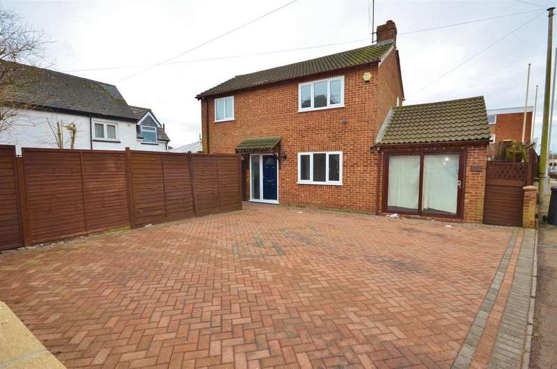 3 Bedrooms Detached House for sale in Compton Avenue, Close to Leagrave Station