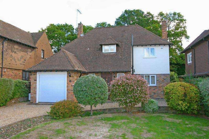 3 Bedrooms Detached House for sale in Crispin Way, Farnham Common, Buckinghamshire SL2