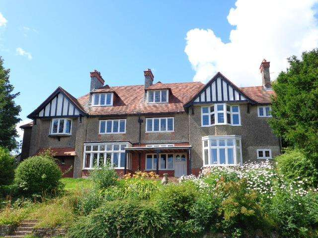 5 Bedrooms Detached House for sale in Scarrowscant Lane, Haverfordwest