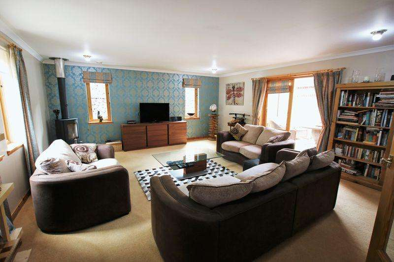 4 Bedrooms Detached Bungalow for sale in Idvies, Forfar
