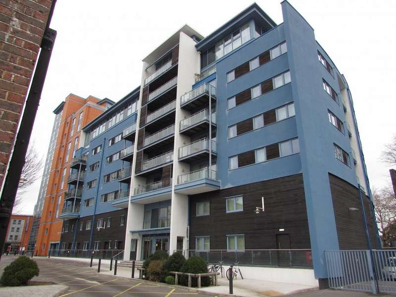 2 Bedrooms Flat for sale in Blue Building, Gunwharf Quays, Portsmouth, PO1