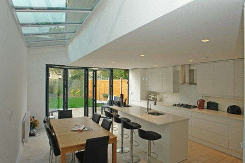 4 Bedrooms Property for sale in Amott Road, London