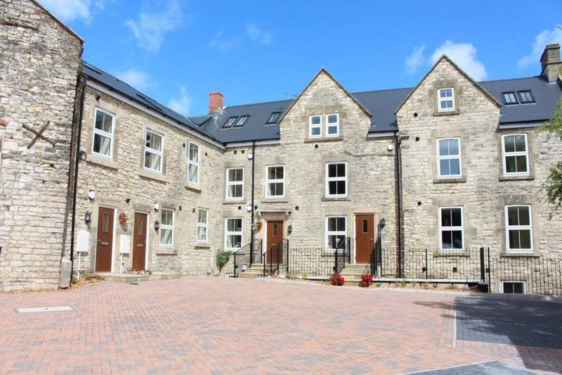 2 Bedrooms Flat for sale in High Street, Paulton, Bristol, BS39