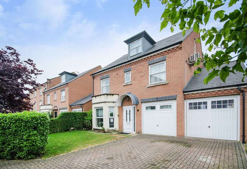 5 Bedrooms Detached House for sale in Chilcott Close, Wembley, HA0