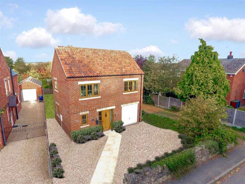 3 Bedrooms House for sale in Castle Hill, Welbourn, Lincoln