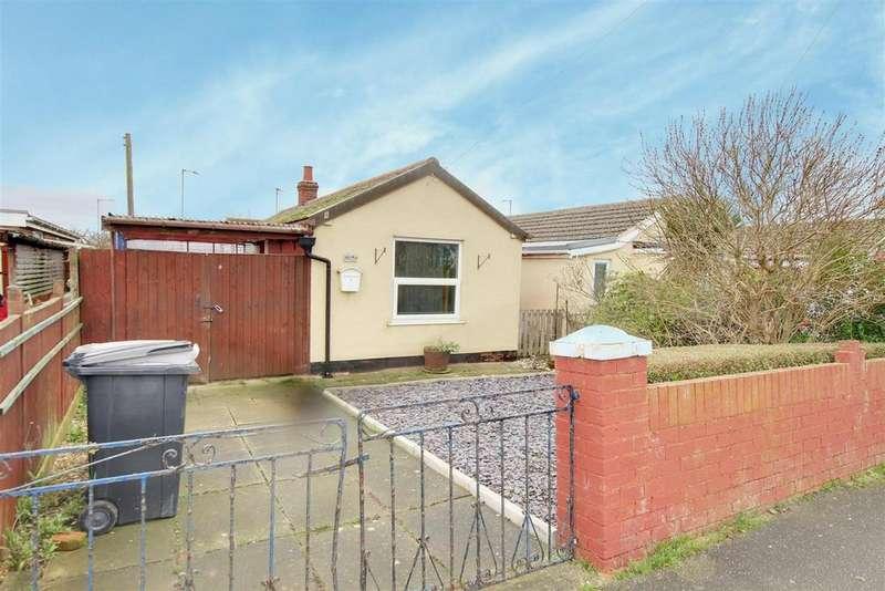 2 Bedrooms Detached Bungalow for sale in Regent Road, Mablethorpe