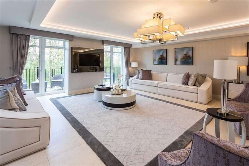 3 Bedrooms Apartment Flat for sale in Royal Connaught Park, Bushey, Hertfordshire