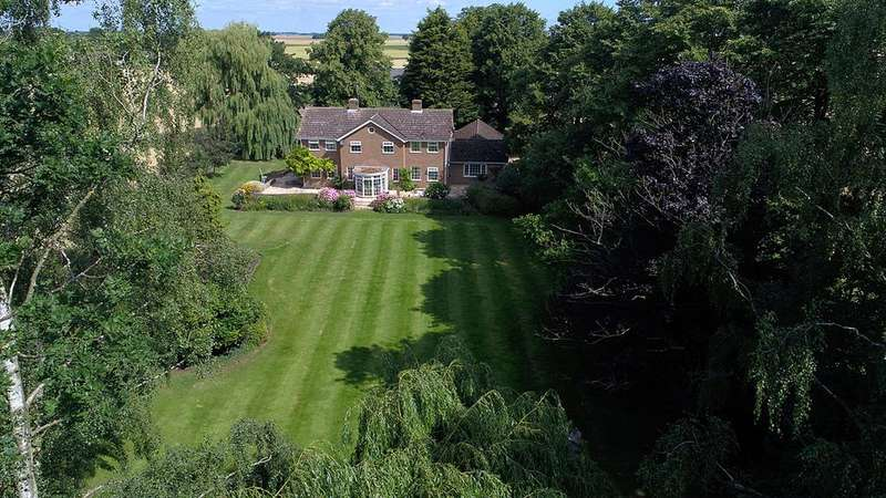 5 Bedrooms Detached House for sale in East Farm, Nordelph, Norfolk
