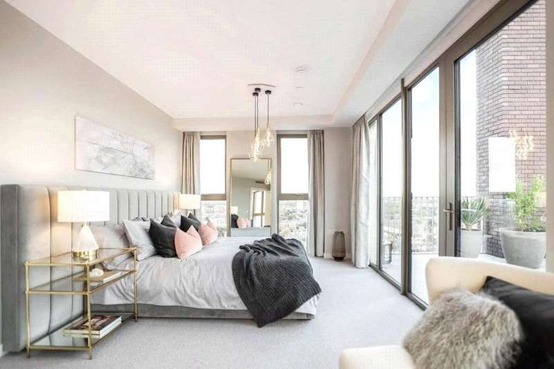 3 Bedrooms Apartment Flat for sale in Royal Dock West, Royal Victoria Dock, LONDON, E16