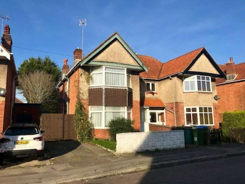 4 Bedrooms Semi Detached House for sale in Newlands Avenue, Southampton