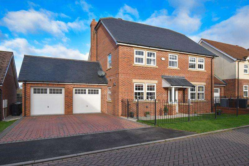 5 Bedrooms Detached House for sale in Whittaker Close, Congleton
