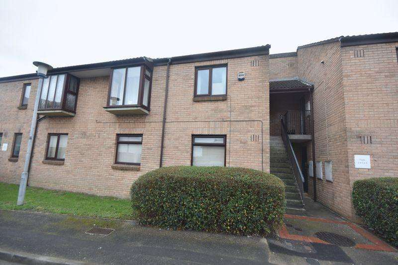 2 Bedrooms Apartment Flat for sale in Rose Green Close St George