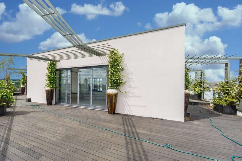 6 Bedrooms Flat for sale in Holmes Road, Kentish Town, NW5