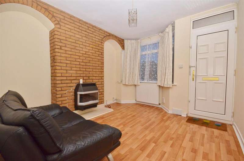 3 Bedrooms Terraced House for sale in Ramridge Road, Round Green