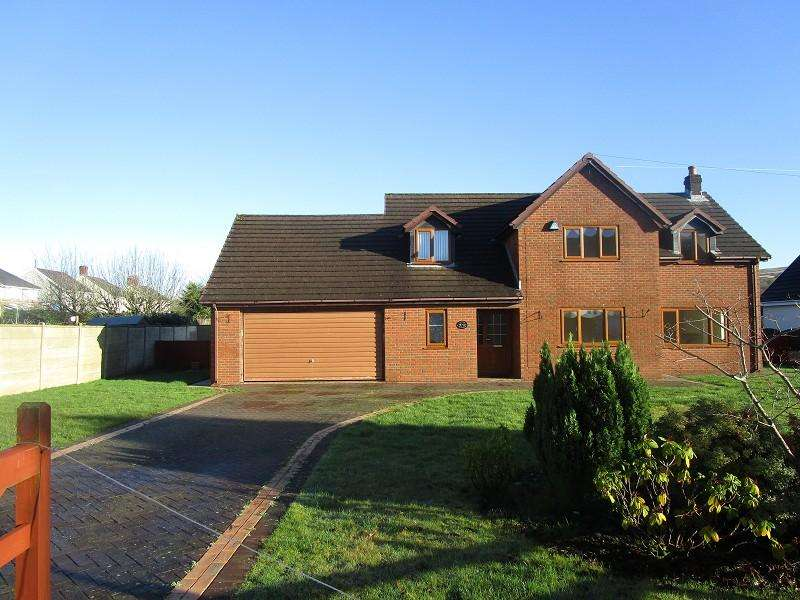 5 Bedrooms Detached House for sale in Tawe Park, Ystradgynlais, Swansea, City And County of Swansea.