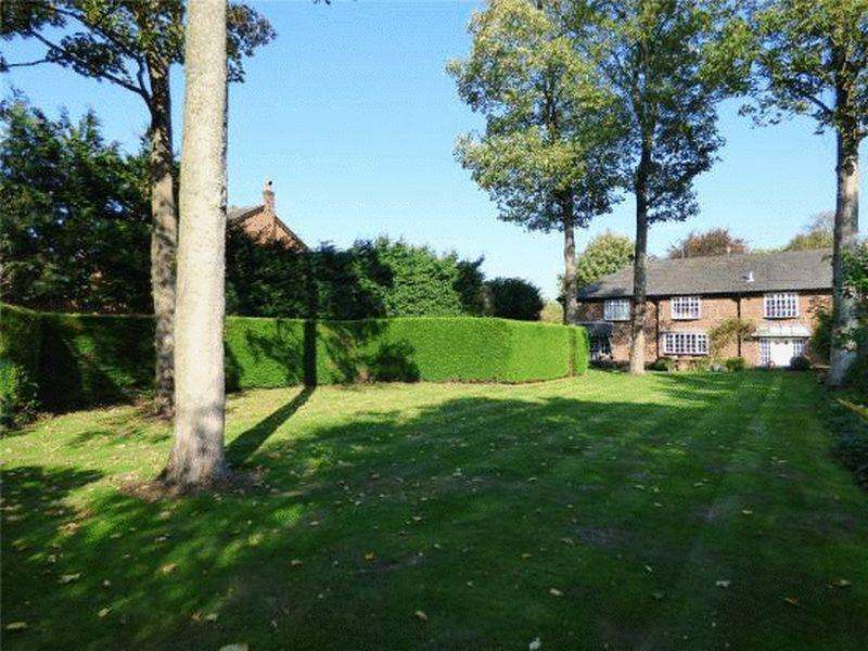 6 Bedrooms Unique Property for sale in South Drive, Sandfield Park
