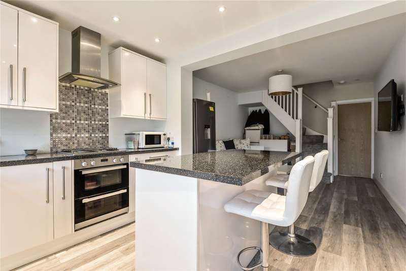 2 Bedrooms Terraced House for sale in Liverpool Road, Watford, Hertfordshire, WD18