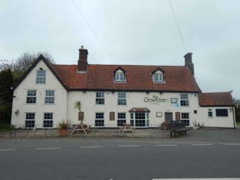 3 Bedrooms Detached House for sale in The Crown Inn, The Street, Haddiscoe, NR14