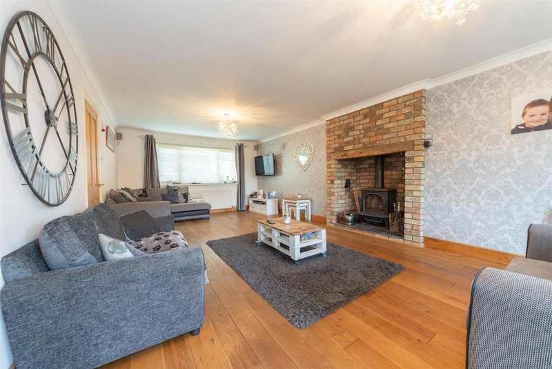 4 Bedrooms Detached House for sale in Alma Farm Road, Toddington