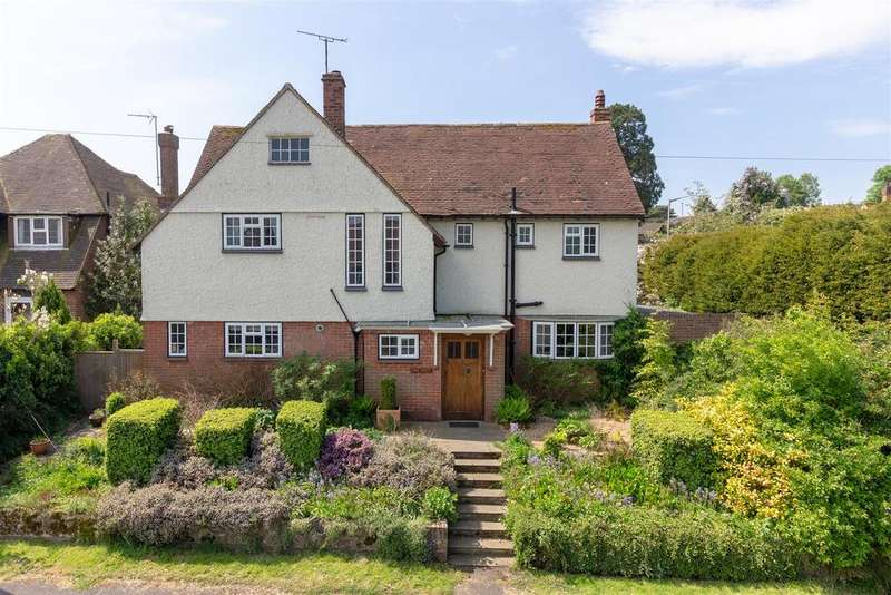 4 Bedrooms Detached House for sale in Upper Queens Road, Ashford